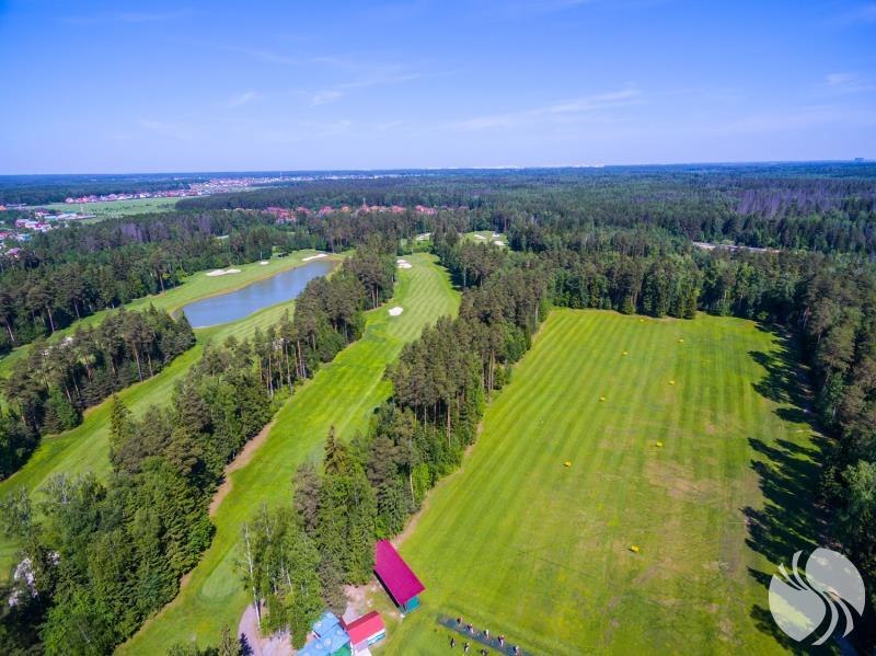 高尔夫球场俯瞰图.jpg